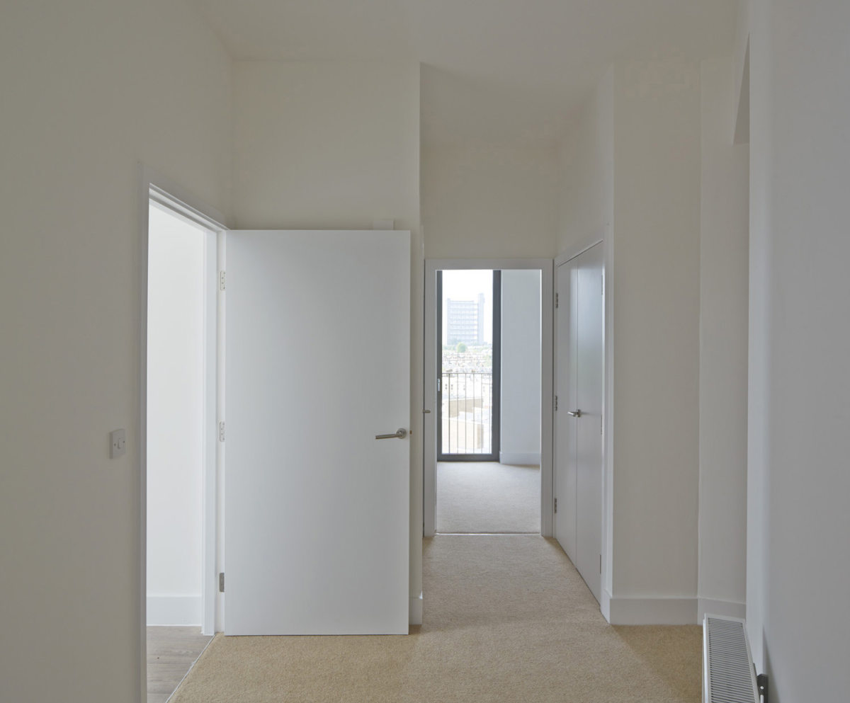 Alison Brooks Architects _ South Kilburn Estate Regeneration _ Bronte and Fielding _ Photo Interior Corridor 1
